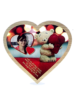 PERDONALISED HEART SHAPE WOODEN PLAQUE WITH STANDING AND HANGING ARRANGEMENTS