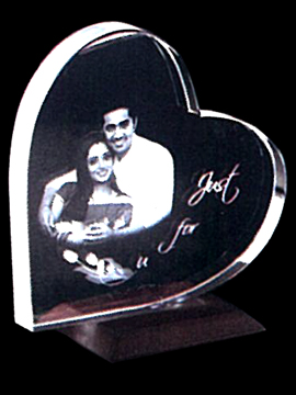 Personalised Laser Engraved Heart Shape Crystal (1143D)